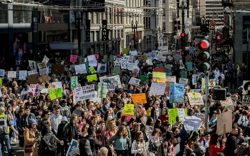 San Francisco climate protests by Max Buenviaje-Boyde, 2019.